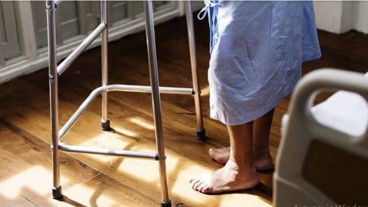 Выгоняла бесов: 80-летняя пациентка устроила резню в больнице