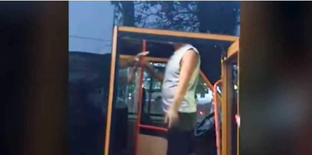 «Мы чувствовали себя смертниками»: Водитель маршрутки избил пассажиров