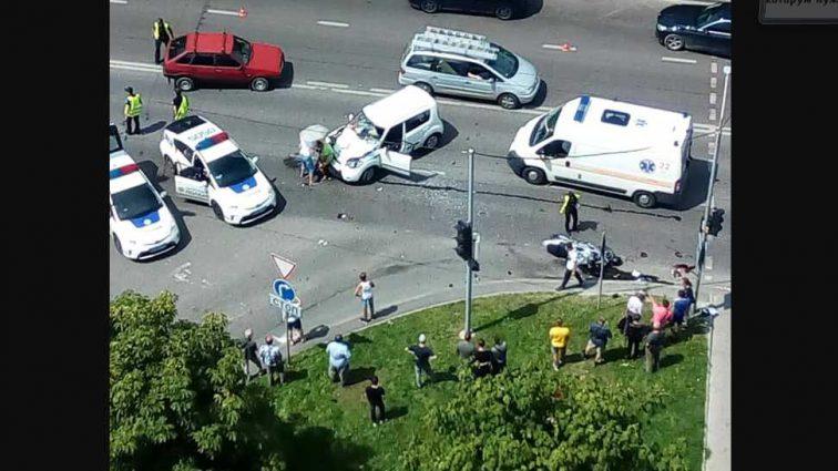 «Пострадавший скончался в карете скорой помощи»: В результате ДТП во Львове погиб человек