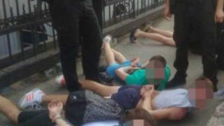 В Одессе произошла массовая драка между футбольными фанатами, задержали 7 человек