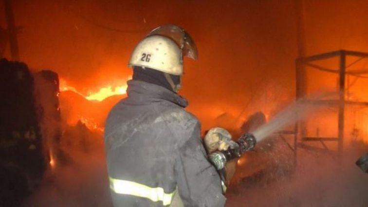 Крупный пожар во Львове: горел скандальный ресторан (ВИДЕО)