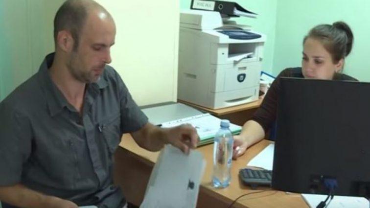 «Ни денег, ни паспорта, а зарплата сигаретами»: Украинец рассказал, как попал в трудовое рабство в Казахстане