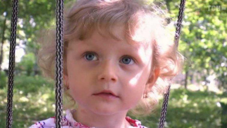 Шансы быть здоровой есть: помогите 2-летней Маргарите услышать этот мир