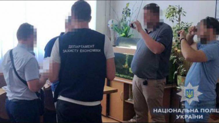 «Получил 310 тысяч»: Проректор одесского вуза поймали на взятке