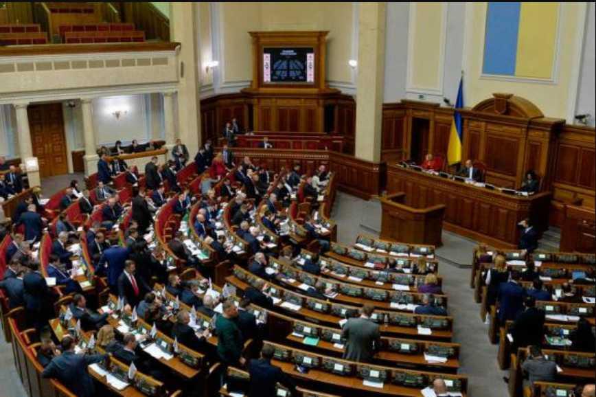 Названные условия для досрочных выборов: распустит ли Порошенко Верховную Раду