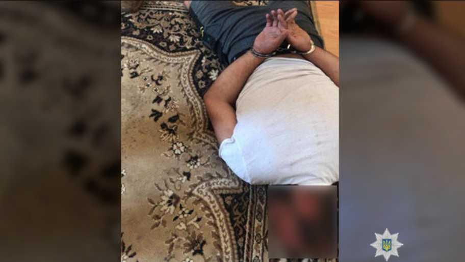 Угрожал убить: иностранец силой удерживал женщину
