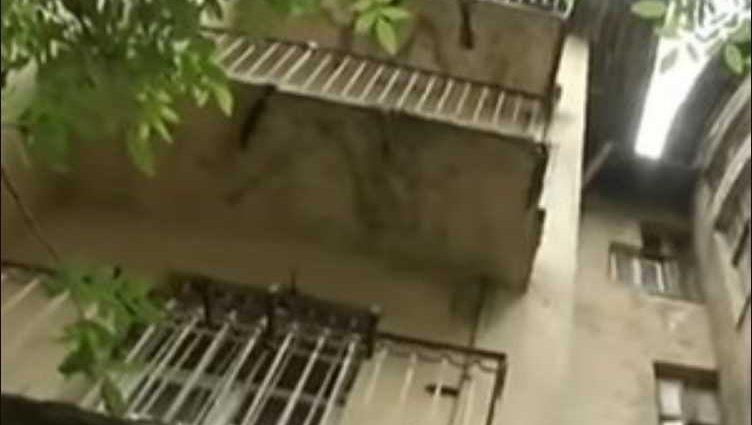 «На глазах у маленькой дочери»: Львовянин вышел на балкон покурить и полетел вниз