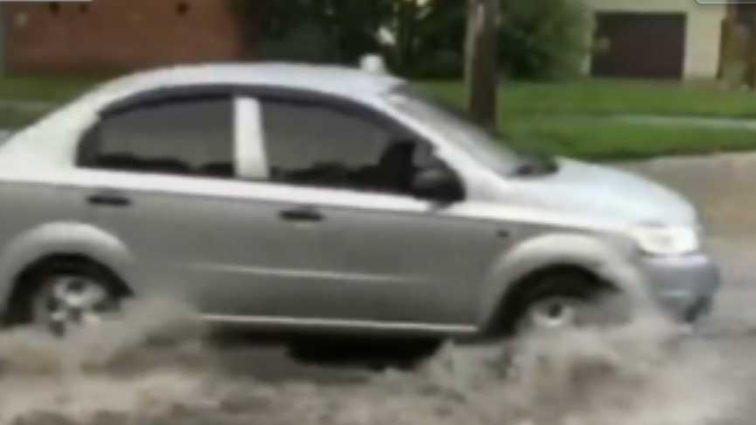 Мощный ливень в Хмельницком превратила город в «Венецию»