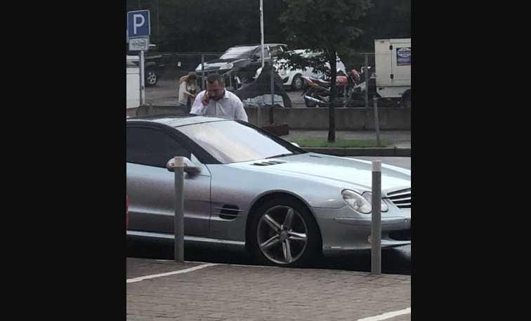 Депутат-радикал «рассекает» по Киеву на люксовом Mercedes, который записан на другого человека