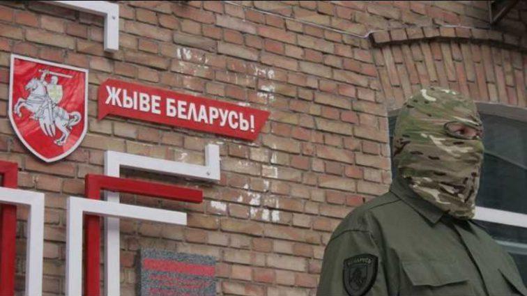 Экс-министр обороны Украины стал беженцем в Беларуси