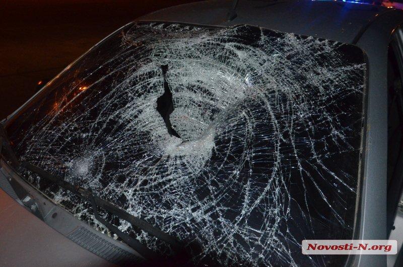 «Женщину подбросило воздуха и несколько раз перевернуло»: Водитель на большой скорости сбил пешехода