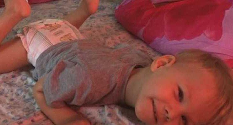 Уже несколько лет пытается преодолеть тяжелый недуг: Маленькому Артему нужна ваша помощь