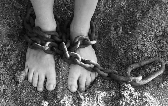 «Бил меня когда ходила беременная и насиловал»: Женщина 7 лет прожила с тираном