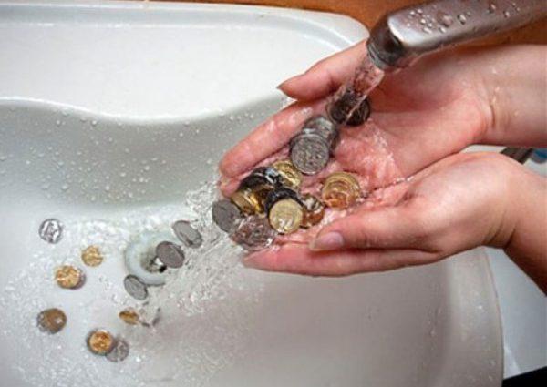 же с сентября: Украинцев предупредили о повышении цены на воду