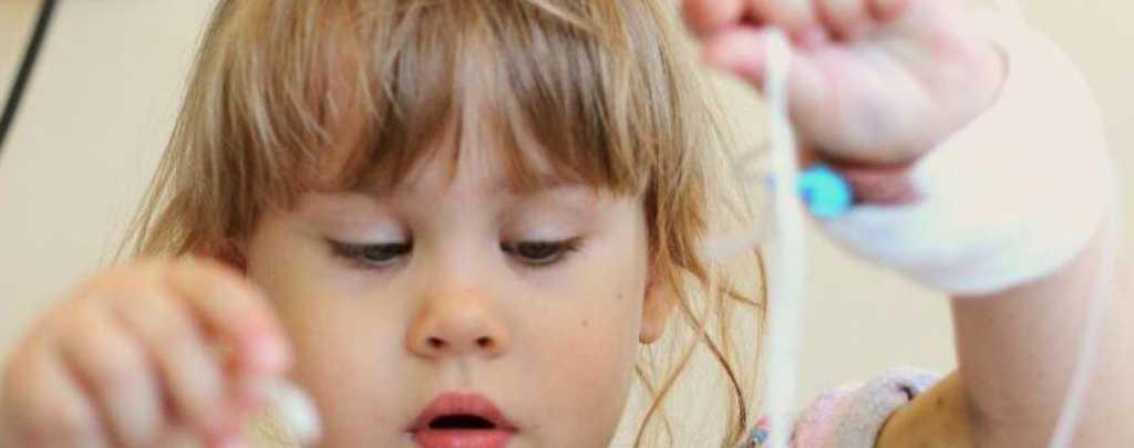 Чтобы победить сразу несколько болезней 3 летняя Аленка нуждается в вашей помощи. Не будьте равнодушными