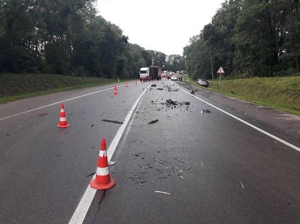 Ужасное ДТП в которой разбился нардеп: появилось видео с места аварии