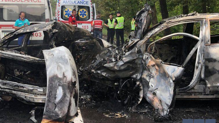 «Люди сгорели в машинах»: Лобовое столкновение под Киевом унесло жизни троих человек
