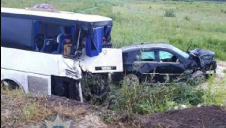 «Авто слетело с дороги и влетело в автобус»: В жутком ДТП погиб известный чиновник