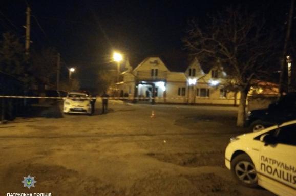 В Одессе пьяный посреди улицы устроил стрельбу. Есть жертвы