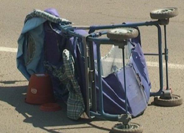 «Пытался дать назад»: В Кривом Роге 16-летний водитель легковушки на скорости сбил коляску с годовалым ребенком