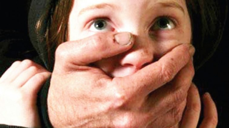 Позвал пускать кораблики: Бывший узник жестоко надругался над семилетней девочкой