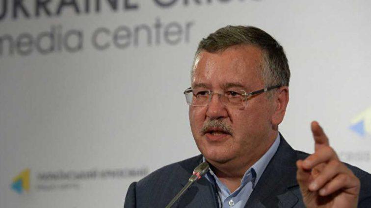 «Порошенко от страха бегает по потолку»: Гриценко резко высказался о президенте