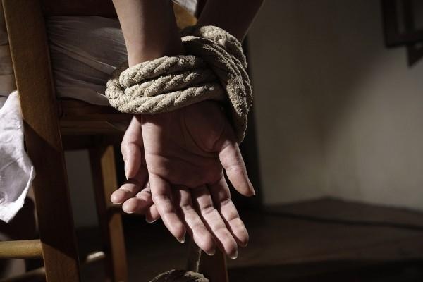 «Угрожал убить»: На Ивано-Франковщине иностранец силой удерживал бывшую девушку