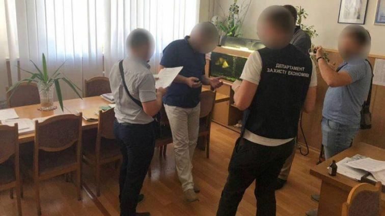 «Требовал 310 тысяч гривен»: Проректор-взяточник одесского университета может выйти под залог