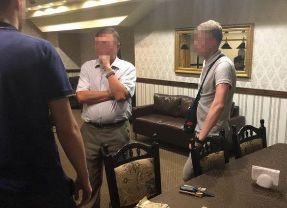 На Прикарпатье судья попался на бешеной взятке