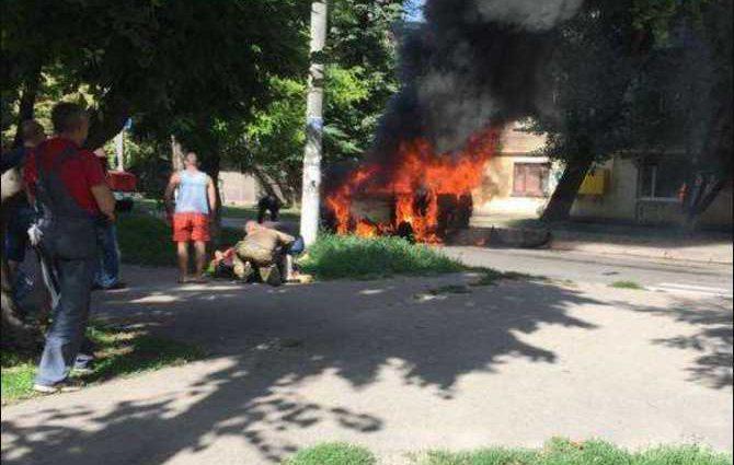 В Днепропетровской области взорвался микроавтобус с депутатом, подробности и фото