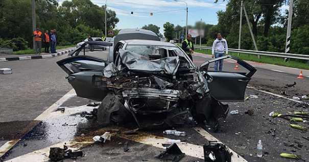 Лобовое столкновение автомобилей: в страшное ДТП попал высокопоставленный священник