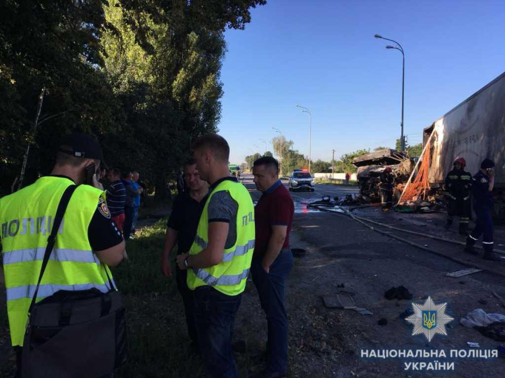 Жуткая ДТП на Ровенщине: В результате сильного столкновения водитель грузовика сгорел заживо