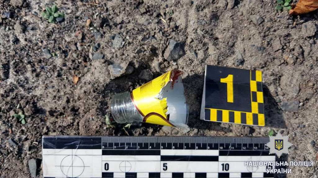 В Харькове неадекватный человек с разбитой бутылкой ранил незнакомца