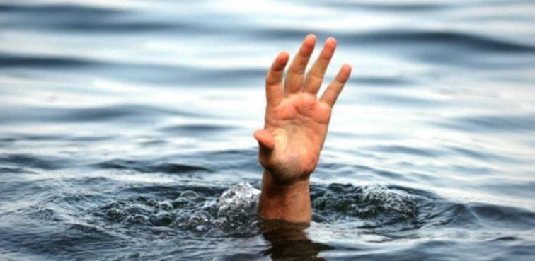 Тело достали за 5 часов: На Львовщине в пруду утонул ребенок