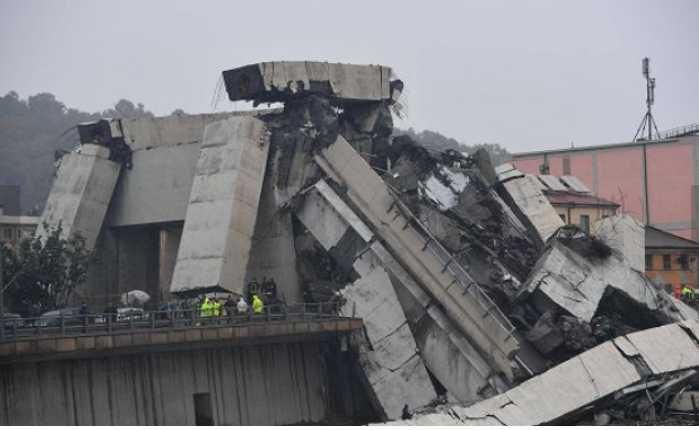 «Остановился в метре от катастрофы»: Появились жуткие подробности обрушения моста в Италии