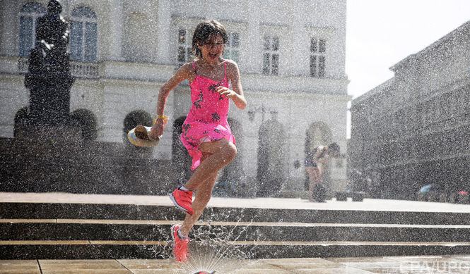 Рекордная жара и дожди: Синоптики рассказали, какой погоды следует ожидать украинцам 15 августа