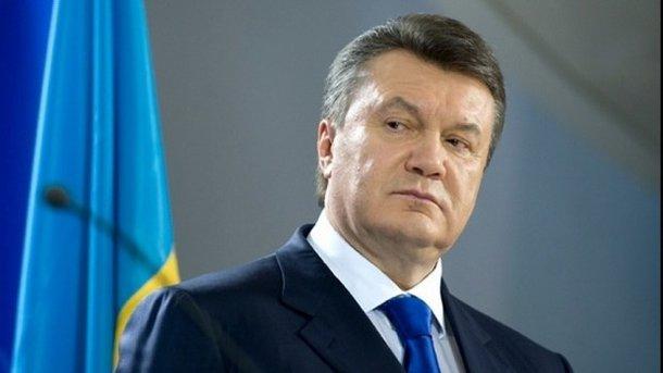 Драка, давка и крики: Адвокаты Януковича устроили драку в зале суда