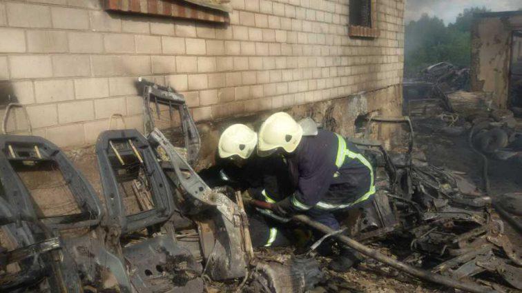 Убил пенсионерку и поджег дом: В Тернополе судимый жестоко поиздевался над соседкой