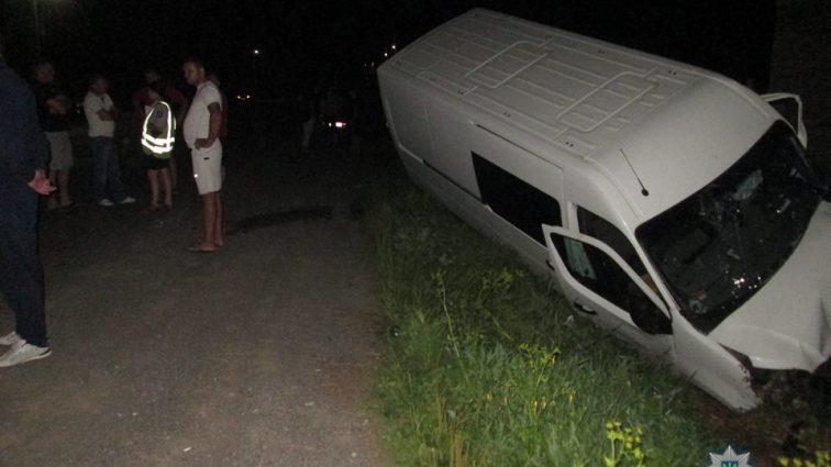 На Закарпатье пьяный водитель устроил ДТП и скрылся. Пострадали дети