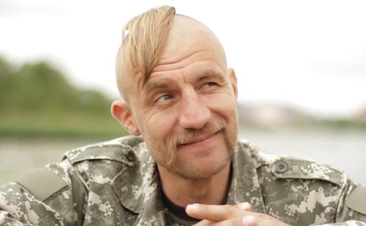 От фотосессии голышом к народному депутату: Сегодня символу «Майдана», казаку Гаврилюку исполнилось 39