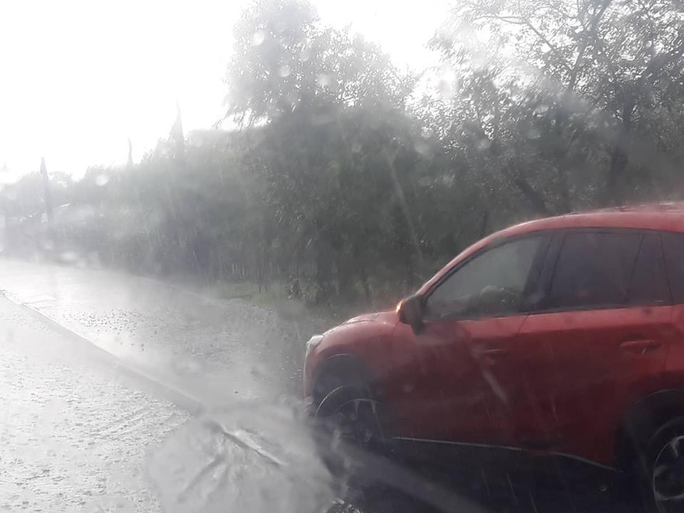 Залило дождями и засыпало градом: Непогода в Закарпатье полностью испортила День Независимости, первые кадры