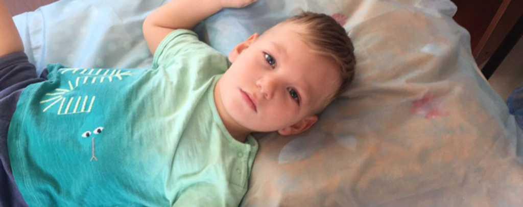 «Не может самостоятельно сидеть, стоять и ходит»: 3-летний Тимофей нуждается в вашей помощи
