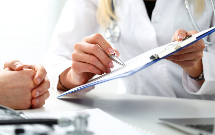 Новые зарплаты для врачей и борьба за пациента: первые результаты скандальной медреформы
