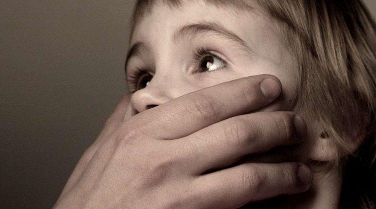 «Отец насилует мою 15-летнюю сестру»: 40-летний мужчина надругался над девочкой с ДЦП