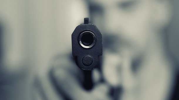 В Чернигове неадекватный молодой человек устроил масштабную стрельбу