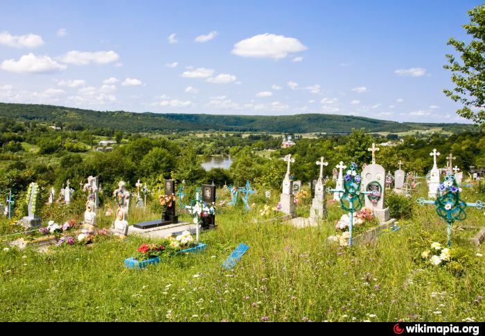 Пришли на кладбище, а там: вандалы устроили беспредел на могиле киборга