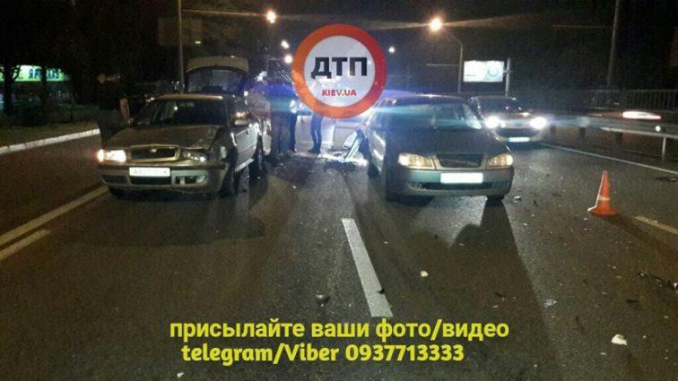«Машину несло еще 150 метров»: В столице произошло масштабное ДТП