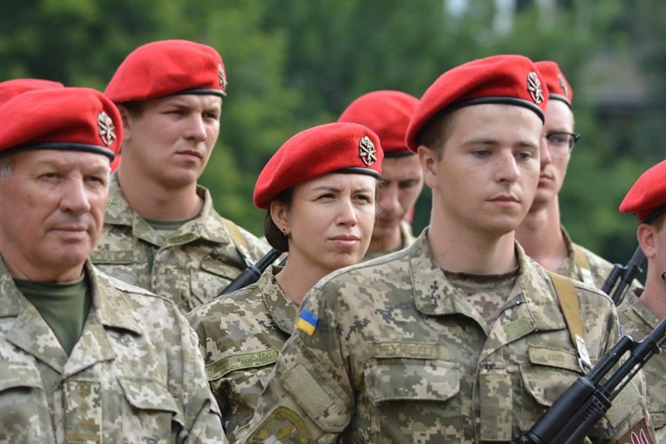 «Командир второй пушки»: Татьяна Черновол стала артиллеристом