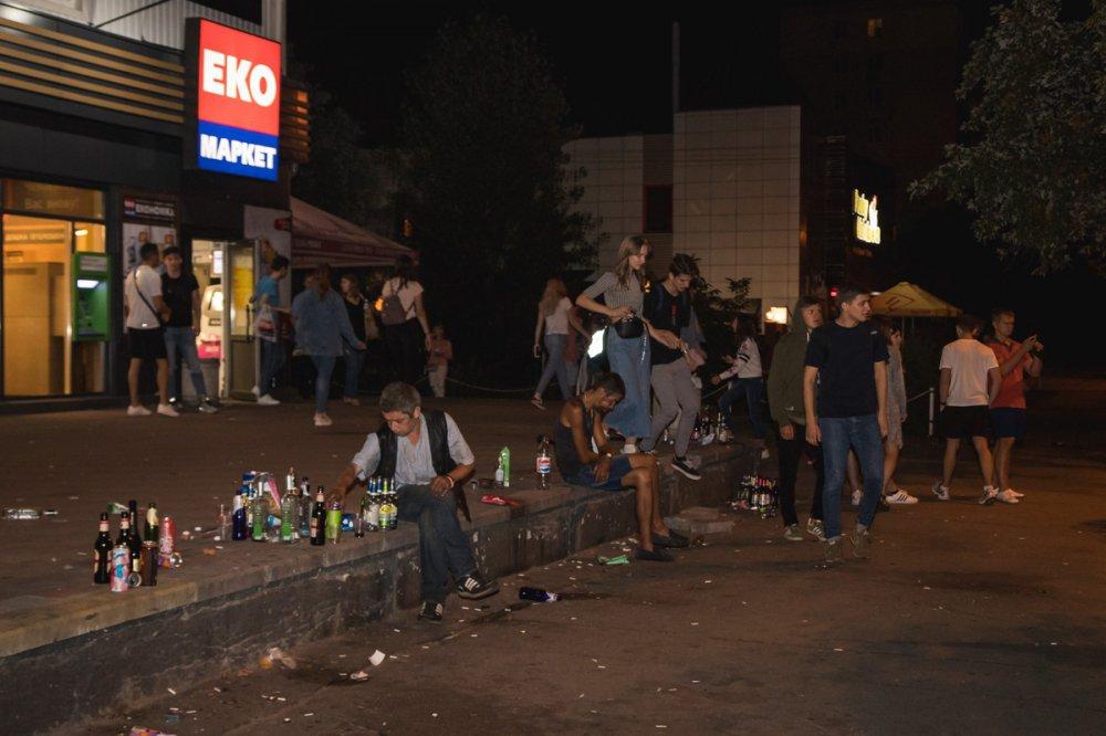 Сотня студентов столичного вуза устроили пьяный дебош, фото события