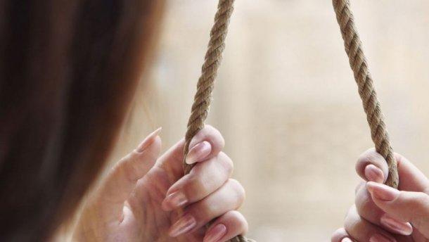 Не выдержала избиения мужем: В Одессе 15 летняя беременная девушка покончила с собой